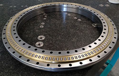 Rolling bearings for machine tools and turntables